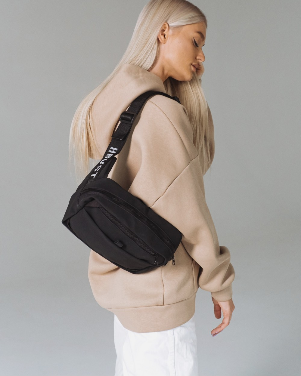 """HIP PACK LARGE"" матова, чорна"